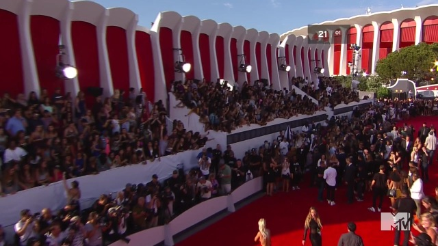 Mtv video music awards 2014 red carpet 720p hdtv x264 2hd mkv