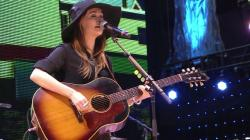 Late shows live Kacey Musgraves What It Is Live at Farm Aid 2013 op mp4
