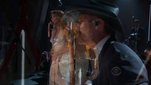 Shows live McGraw Faith Hill Meanwhile Back Mama 49th Annual Academy Country Music Awards 2014