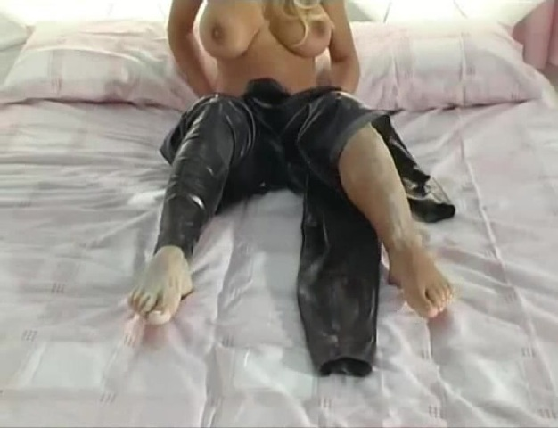 Pulling out anal beads