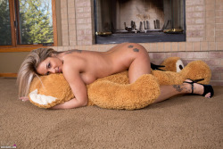 Nikki Sims Oh Teddy preview 3